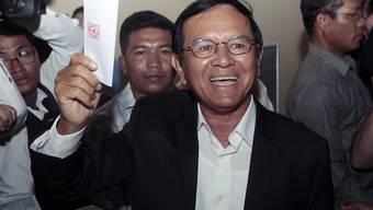 Der Führer der Opposition in Kambodscha, Kem Sokha, ist am Montag überraschend aus einer umstrittenen Haft entlassen worden. (Archivbild)