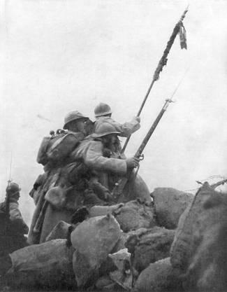 Die Fahne hoch! Französische Truppen in der Champagne.