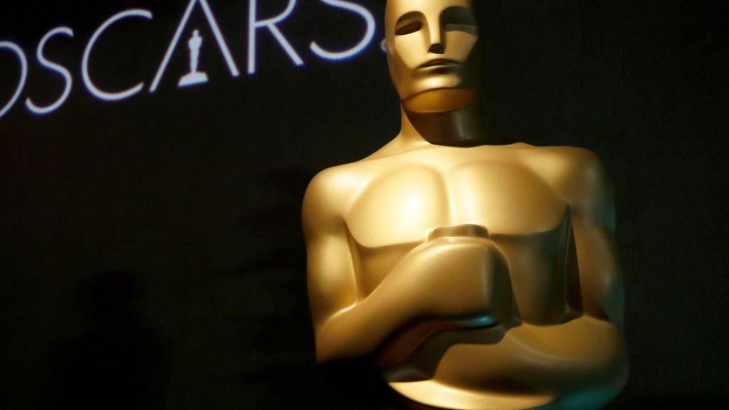 Die Verantwortlichen der Oscar-Verleihung wollten aufgrund rückläufiger Einschaltquoten unter anderem die TV-Show kürzen und einzelne Trophäen während der Werbepausen aushändigen. (Symbolbild)