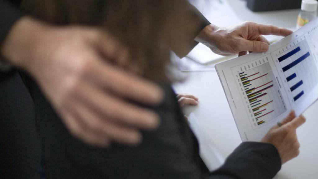 Der Kanton Waadt sagt sexueller Belästigung den Kampf an. Eine neue Kampagne richtet sind an Jugendliche in der Ausbildung. (Symbolbild)