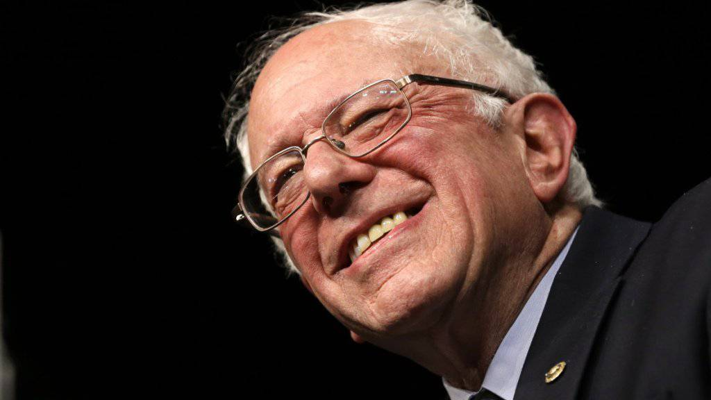 Kann sich über einen Achtungserfolg freuen: Senator Bernie Sanders hat bei den US-Vorwahlen der Demokraten überraschend in Michigan gewonnen.