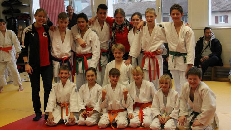 Die glücklichen Sieger der Basler Schüler Mannschaftsmeisterschaften im Judo, JS Liestal