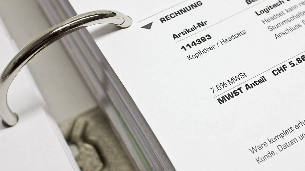 Schweizer Unternehmen begleichen gut 40 Prozent ihre Rechnungen zu spät.(Symbolbild)