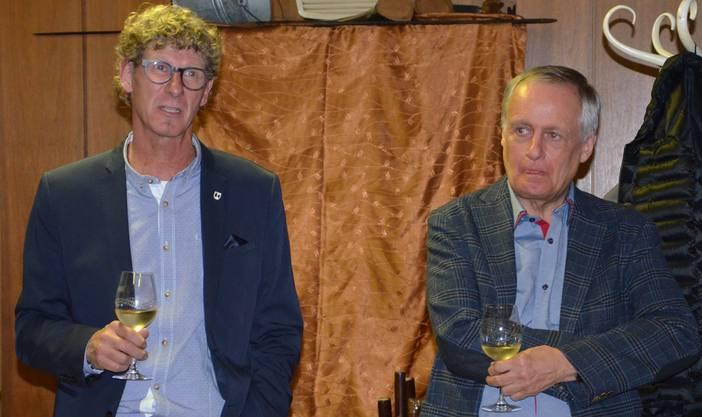 Freuen sich beide über den Wahlausgang: der neu gewählte Jürg Baur (links) und der abgewählte Franz Hollinger.