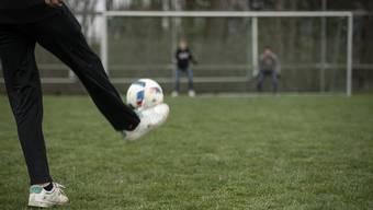 Aufgrund der aktuellen Entwicklungen in Zusammenhang mit der COVID-19-Epidemie hat der Fussballverband beschlossen, den Spielbetrieb bis 13. April 2020 vollständig auszusetzen.