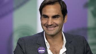 Entspannt und bereit für den Start: Roger Federer am Sonntag in Wimbledon