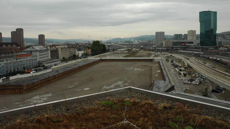 2021 muss das Art-Dock im ehemaligen Güterbahnhof (im Bild) einem Aufgang weichen.
