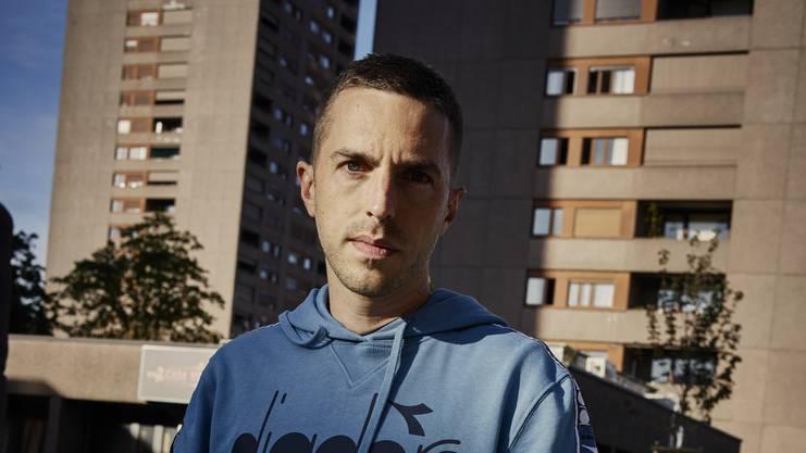 Seine musikalische Karriere begann Ende der 1990er-Jahre als DJ.