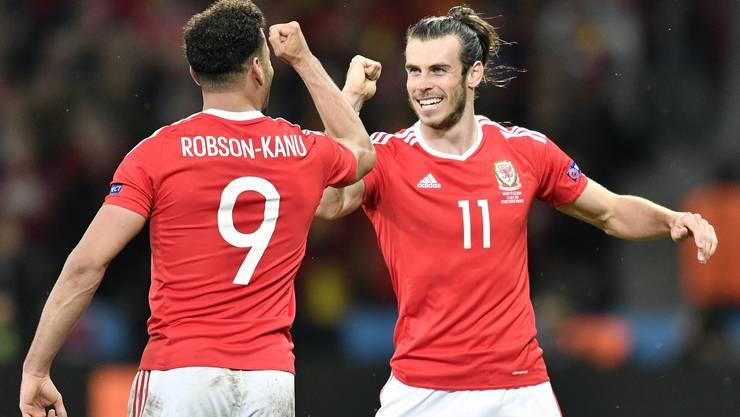 Robson-Kanu und Gareth Bale schreiben mit Wales Geschichte.