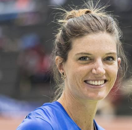 Sie ist auf ihrer Paradedisziplin die aktuelle Nummer 1 in Europa (54,79) und dennoch nicht restlos zufrieden. Eigentlich möchte sie eine Sekunde schneller laufen, aber bisher kam sie 2018 im Gegensatz zu 400 m flach, wo sie Schweizer Rekord lief, einfach nicht an ihre Bestzeiten heran. Deshalb gibt es «nur» Silber.