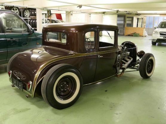 Das Modell A war der Nachfolger des bekannten Ford Modell T, der als erstes Auto in Serie hergestellt wurde.