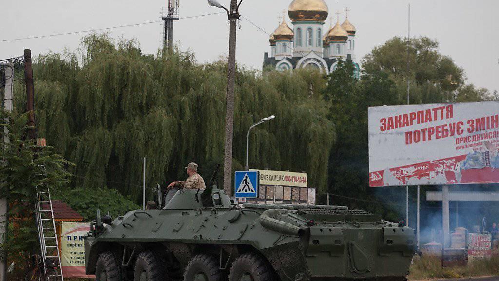 Strassensperre der ukrainischen Armee: Im Osten des Landen schweigen die Waffen - für den Moment zumindest. (Archiv)