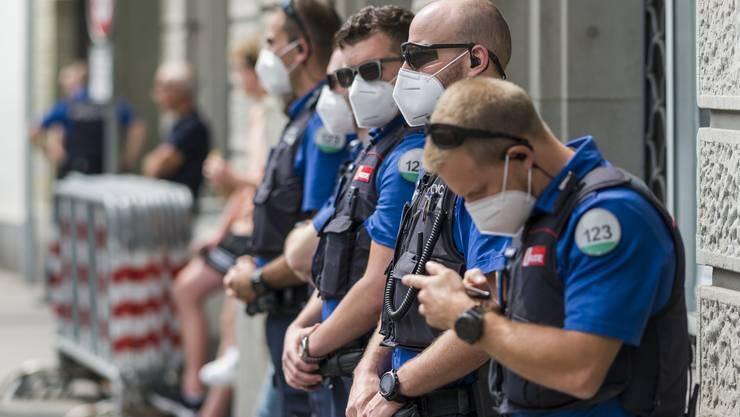 Die Kantonspolizei Bern behält die Lage im Auge (Symbolbild).