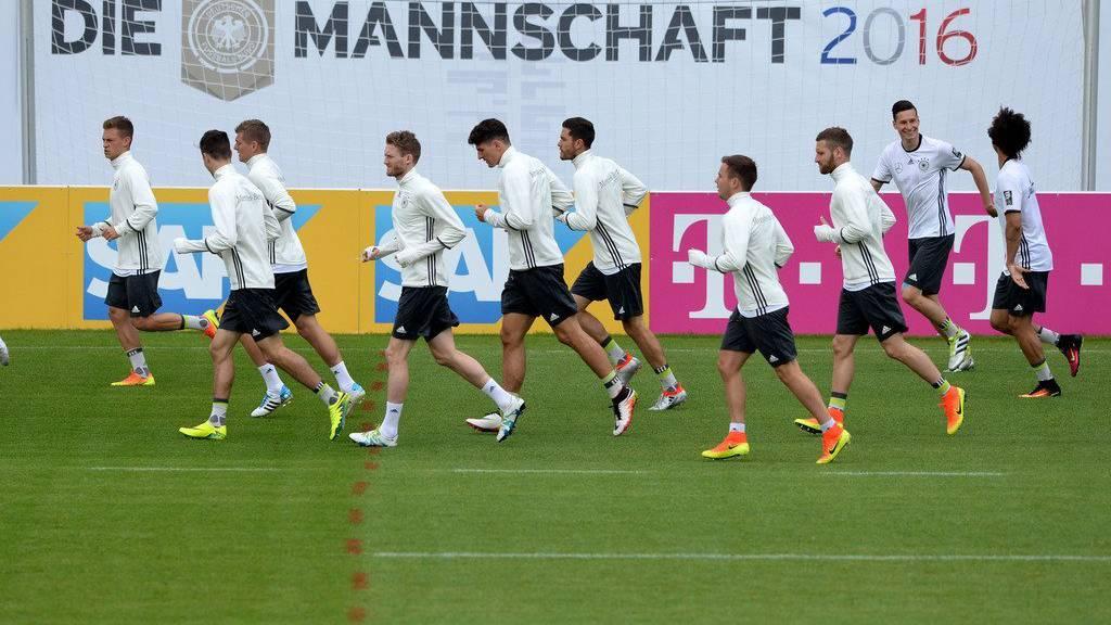Das deutsche Team im Training an der Euro 2016 (Foto: KEYSTONE/Ti-Press/Samuel Golay)