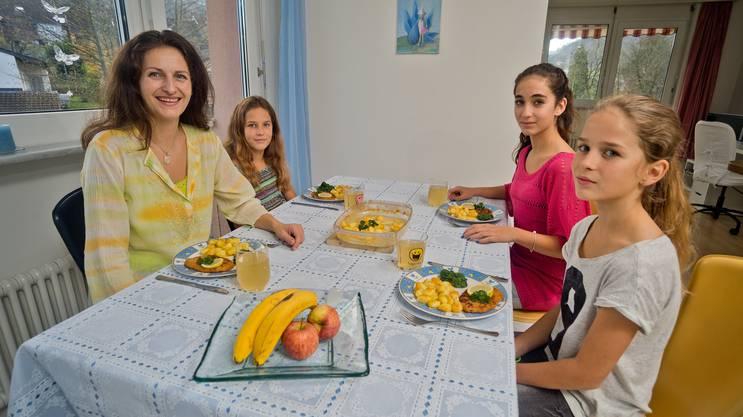 Nancy Holten ist Mutter dreier Kinder und ernährt ihre Kinder vegetarisch oder vegan.
