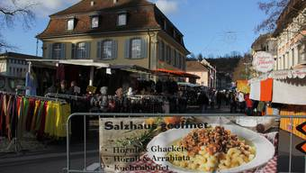 Das Mittagessen im Brugger Salzhaus gehört für viele Marktbesucher zum Programm.