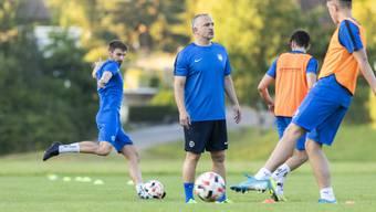 Trainer Samuel Drakopoulos im Training mit dem 2.-Liga-Team des FC Lenzburg