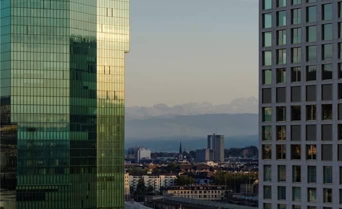 Mit ihrer Höhe wären die geplanten Hochhäusern um elf Meter höher als der 126 Meter hohe Prime Tower. Aktuell ist der Tower das höchste Gebäude der Stadt.