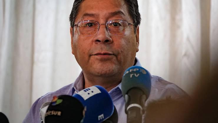 ARCHIV - Luis Arce, ehemaliger Wirtschaftsminister von Bolivien, spricht auf einer Pressekonferenz. Foto: Florencia Martin/dpa
