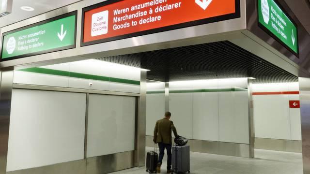 Drogenkurier aus Brasilien am Flughafen Zürich verhaftet. (Symbolbild)