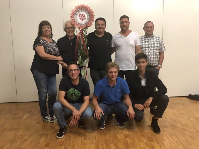Bruno Hess mit Vorstand (Bild: Pascal Rüegg)