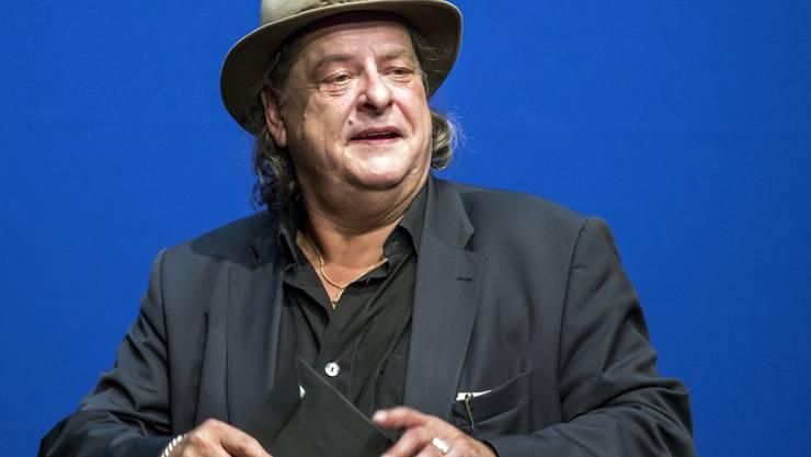 """Weil er nach eigenen Angaben nichts anderes kann, sah sich Stiller-Has-Frontmann Endo Anaconda während Jahrzehnten im """"Mundart-Knast"""" gefangen. (Archivbild)"""