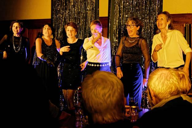 """Das Solothurner Frauen-Sextett """"Liedschatten"""" mit Ausschnitten aus seinem aktuellen Programm"""