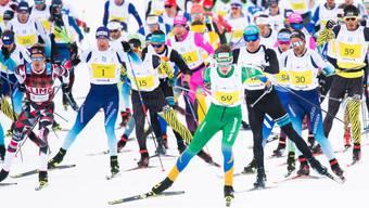 Ein Bild aus vergangenen Zeiten: Langlauf-Fans müssen in diesem Jahr auf den Engadiner verzichten. Doch es gibt eine Alternative (Archiv)