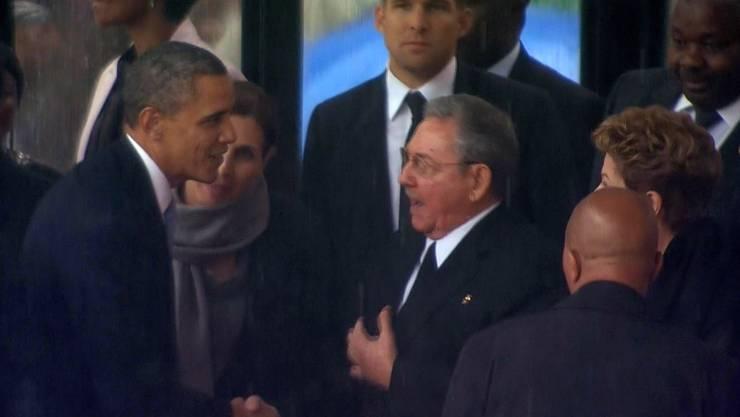 Historisch: Vor seiner Rede schüttelte US-Präsident Kubas Raul Castro die Hand