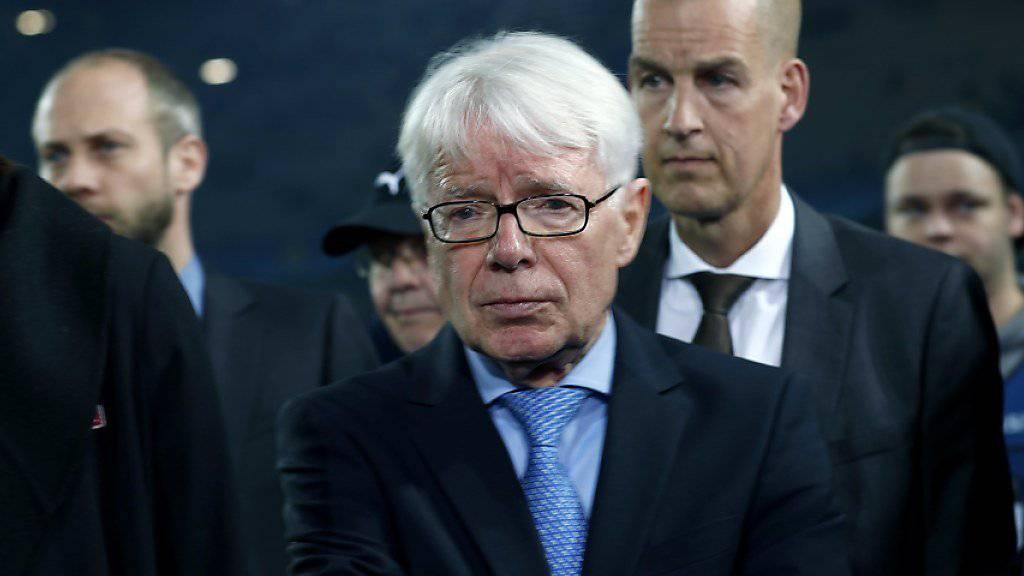 Reinhard Rauball (Bildmitte) kündigte seinen Rücktritt als DFL-Präsident an