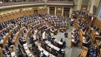 Blick in den Nationalratssaal während der Bundesrats-Ersatzwahl: Vor zwei Jahren rutsche die grosse Kammer nach rechts. Die Allianzen verändern sich aber nach wie vor. (Archivbild)