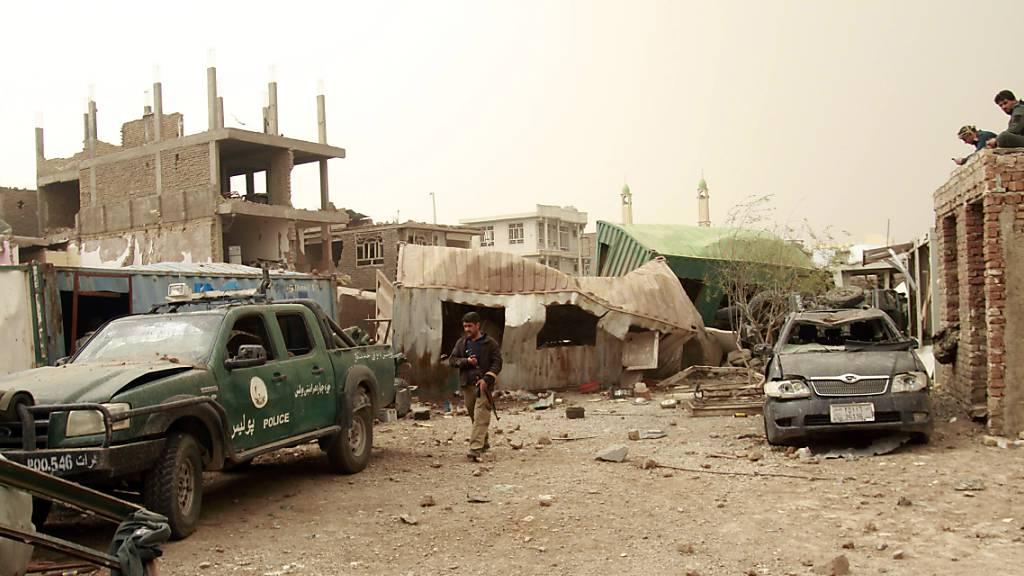 Mindestens acht Tote bei Bombenanschlag im Westen Afghanistans