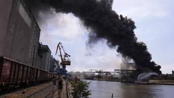 Brand im Basler Rheinhafen