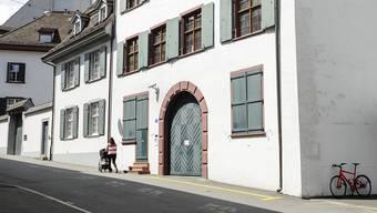 Die Liegenschaft an der Petersgasse des ehemaligen Financier Dieter Behring wird verkauft.