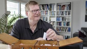 Selbst der grundoptimistische Josef Zindel muss ab und zu weinen, wie er im Interview in seinem Haus in Blauen sagt.