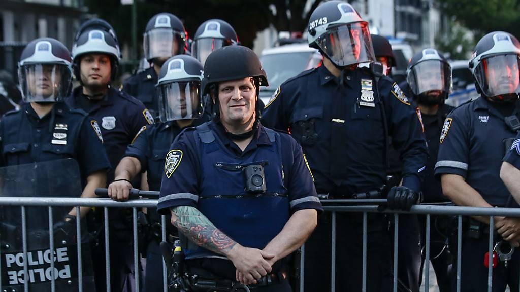 Fehlverhalten der New Yorker Polizei trifft oft Minderheiten