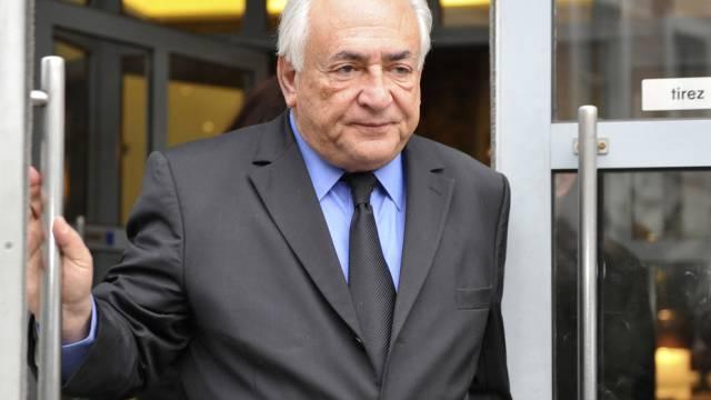 Dominique Strauss-Kahn in Lille auf dem Weg zum Gericht