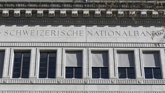 Die Schweizerische Nationalbank lässt den Leitzins unverändert. (Archivbild)