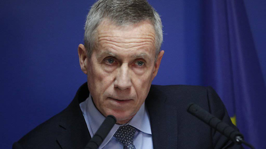 Antiterrorstaatsanwalt François Molins am Dienstagabend vor den Medien in Paris.