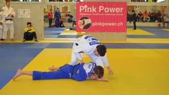 Den Brugger Judokas, dem amtierenden Schweizer Meister, ist der Start in die neue Saison gegen Vize-Meister Morges mit zwei Siegen gelungen.