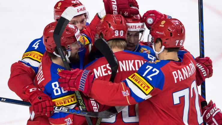 Die russischen Spieler bejubeln die Bronzemedaille