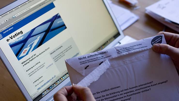"""E-Voting steht derzeit in der Kritik. Nach einem öffentlichen Hackertest wird das System der Schweizerischen Post wegen aufgetauchter """"kritischer Fehler"""" befristet ausgesetzt. (Themenbild)"""