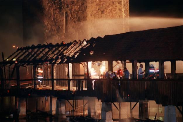 Nach gut elf Minuten hatten rund 150 Feuerwehrleute den Brand unter Kontrolle.