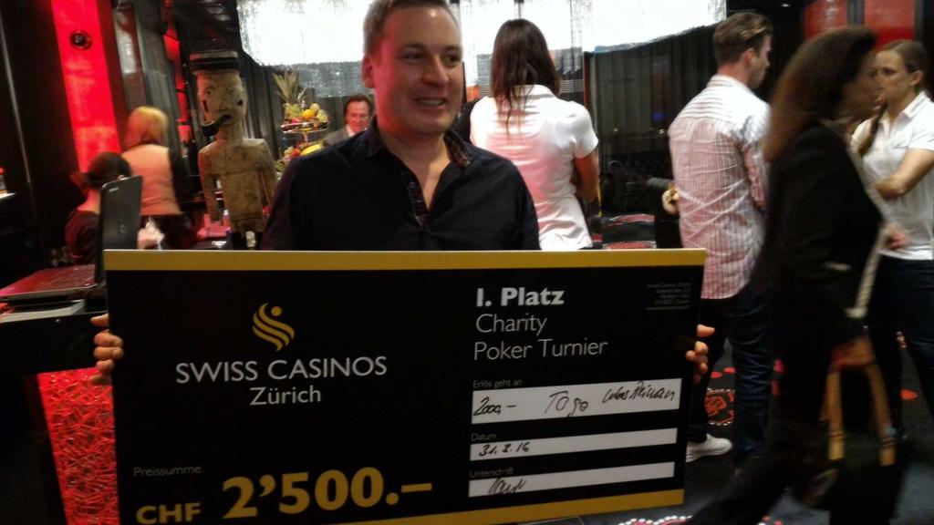 Lukas Reimann erspielt an Pokerturnier 2500 Franken.
