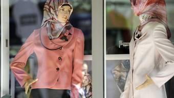 Modegeschäft in einem türkischen Quartier in Duisburg (Archiv)