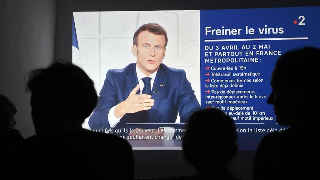 Frankreich schliesst alle Schulen für drei Wochen