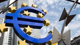 Die EZB hat vom Europäischen Gerichtshof grünes Licht erhalten, Staatsanleihen von notleidenden Euro-Staaten unter gewissen Voraussetzungen zu kaufen