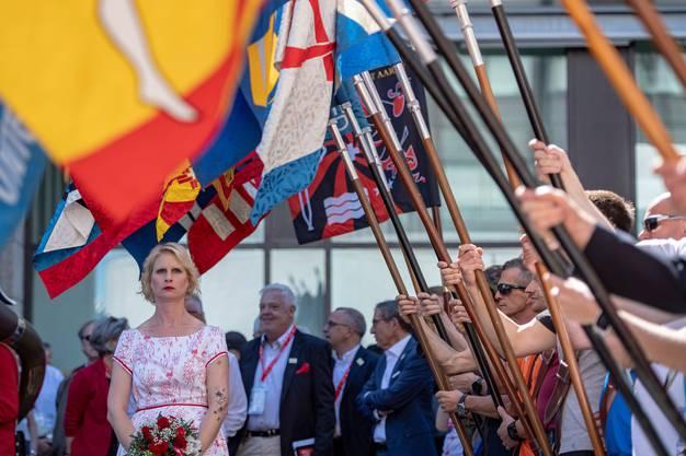 Die offizielle Fahnenübergabe vom OK Biel 2013 an das OK Aarau 2019 fand am Nachmittag statt.