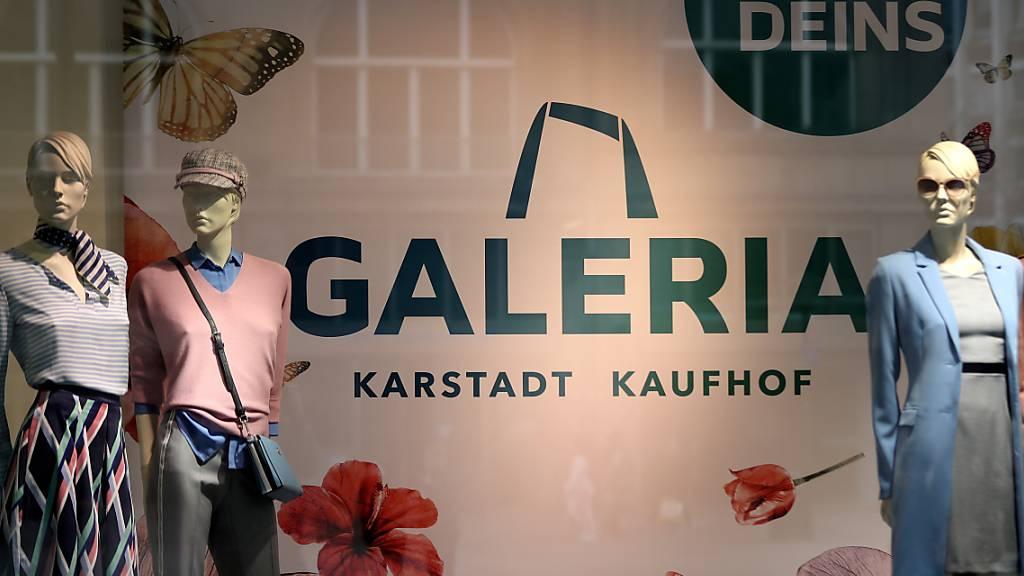 Düsseldorf (awp/reu) - Beim angeschlagenen Warenhausriesen Galeria Karstadt Kaufhof sollen weniger Filialen geschlossen werden als ursprünglich angekündigt. (Archivbild)