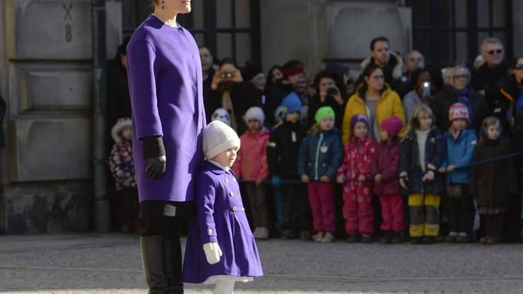 Grosses Mädchen: Prinzessin Estelle - hier im Partnerlook mit Mama Victoria - feiert ihren vierten Geburtstag (Archiv)